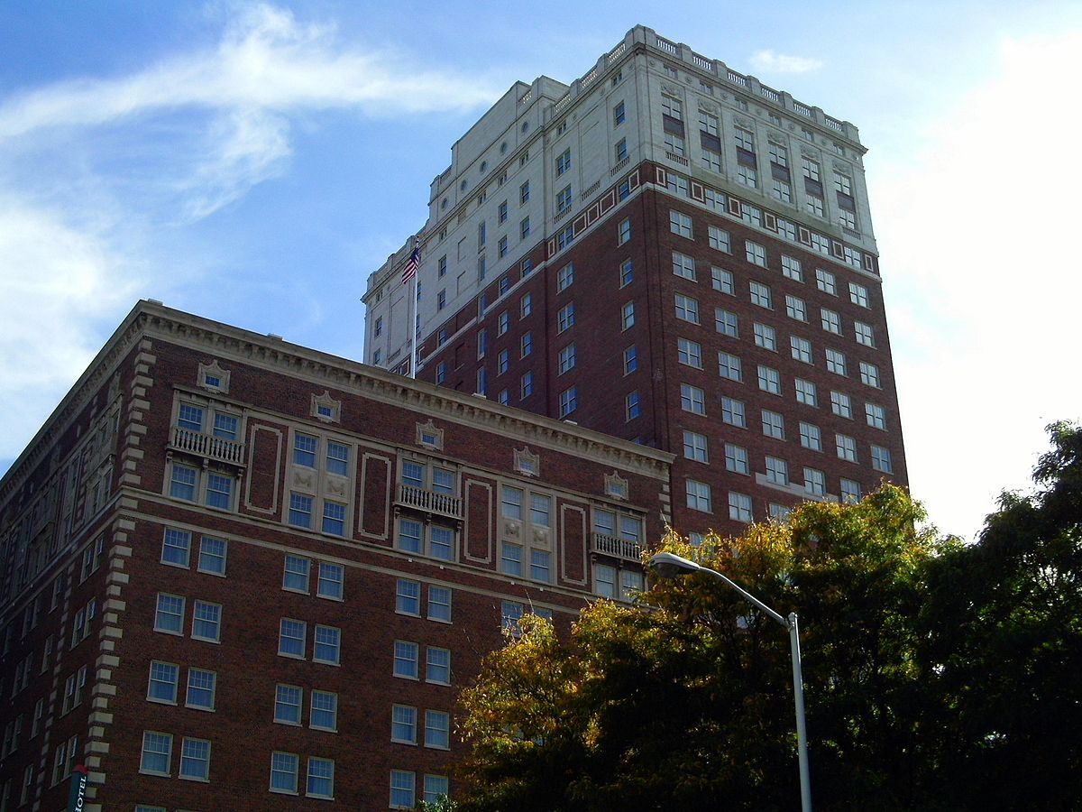 Celebrate the Resurgence of Downtown Detroit at the Lovely DoubleTree Suites